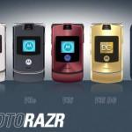 退屈なデザインばかりの携帯電話にドロップキック〜モトローラM702iS、日本上陸